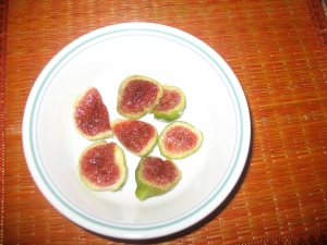 Fresh Figs in a Bowl